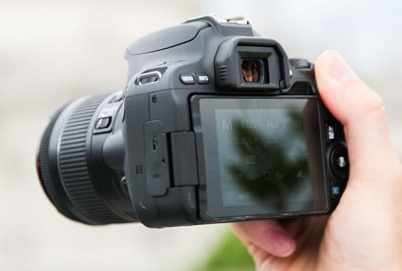 máy ảnh canon 200d