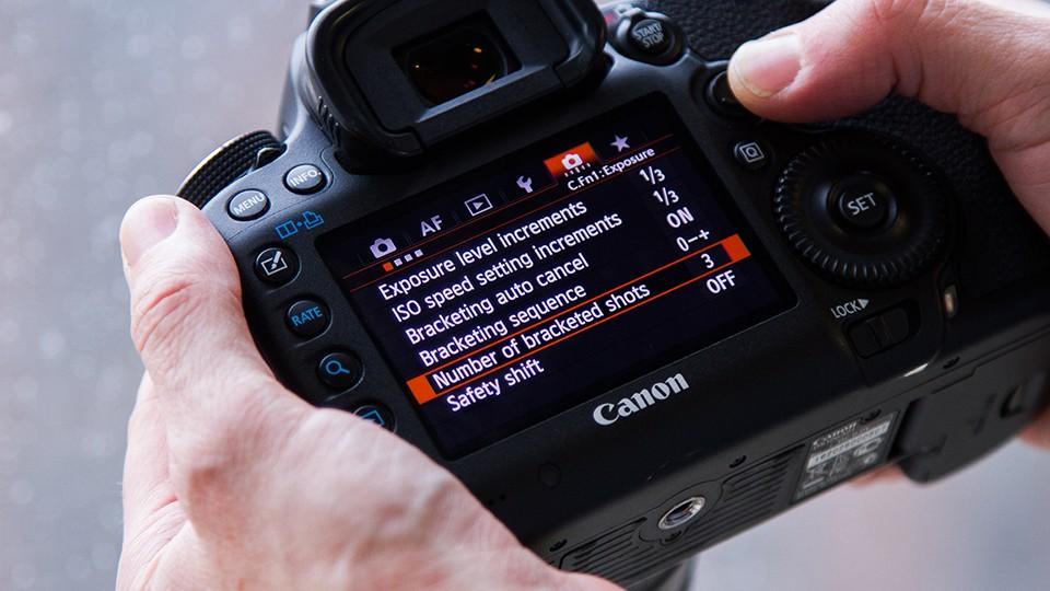cài đặt máy ảnh DSLR Canon