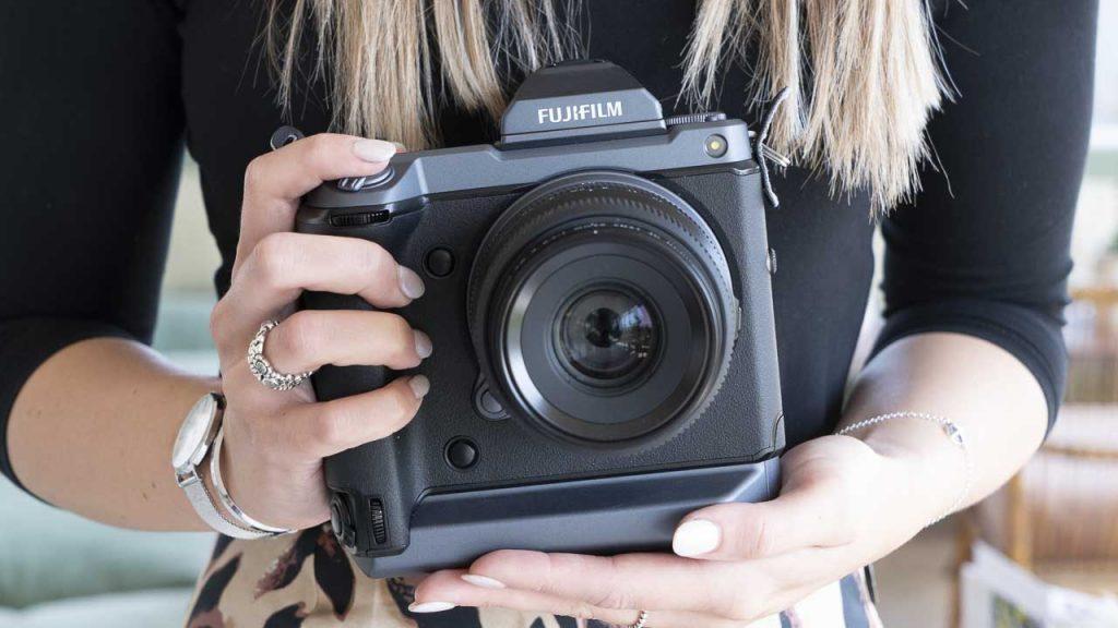 máy ảnh Fujifilm GFX 100