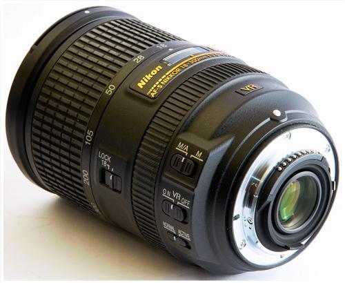 Nikon AF-S DX 18-200mm