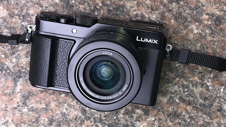 máy ảnh Panasonic Lumix LX100 II