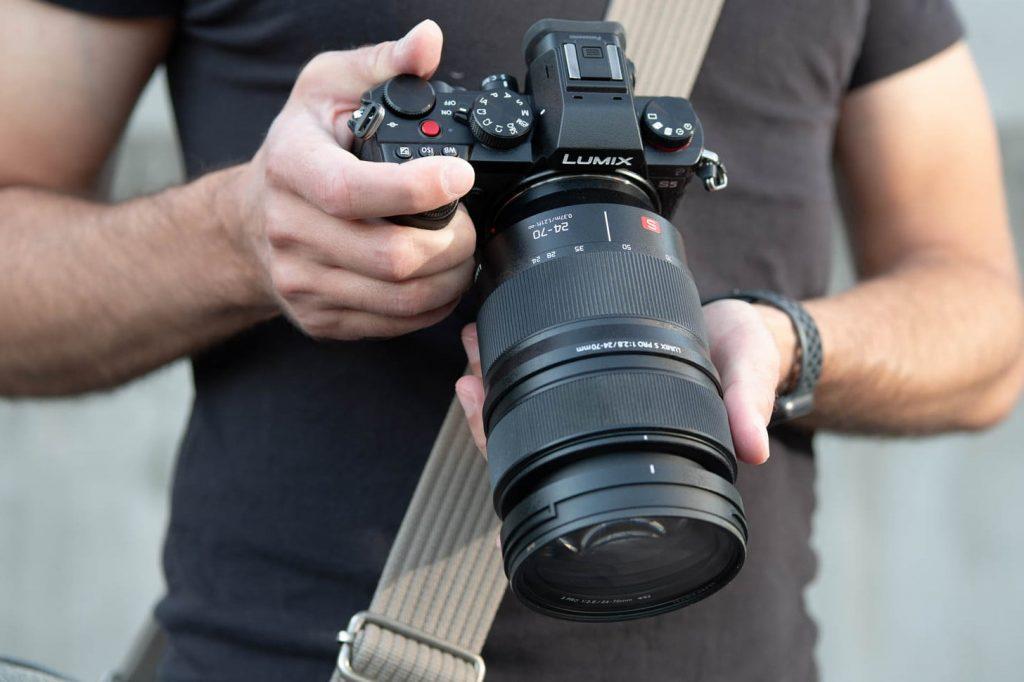 máy ảnh Panasonic Lumix S5