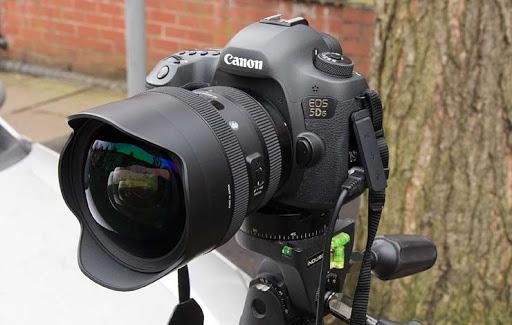 ống kính Sigma 12-24mm f4