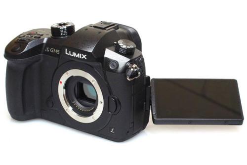 Panasonic Lumix GH5-1