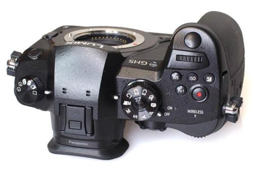 Panasonic Lumix GH5-4