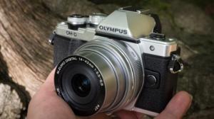 mirrorless-OlympusM10II-3